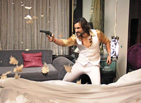 'Bullet Raja' Saif Ali Khan was captured by the lenses during the shoot of an action scene. (Pic courtesy: Filmfare)