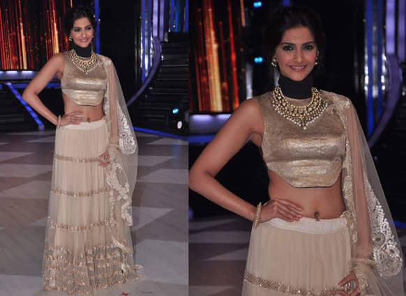 Sonam Kapoor looked as beautiful as ever while promoting 'Raanjhanaa' on the sets of a TV dance show.