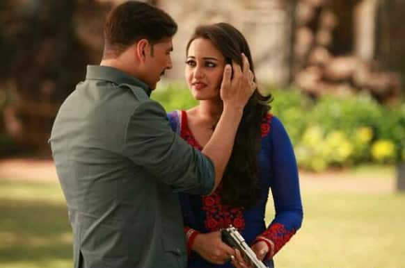 Akshay Kumar and Sonakshi Sinha in a still from 'Once Upon A  Time In Mumbaai Dobara'.