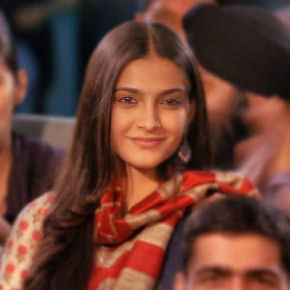 Sonam Kapoor in a still from the film 'Raanjhanaa'.