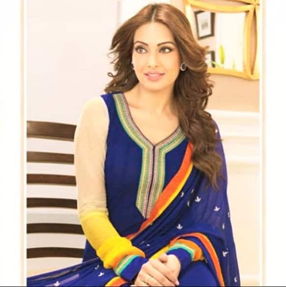 Bipasha Basu looks gorgeous in this recent Twitter display pic of hers.