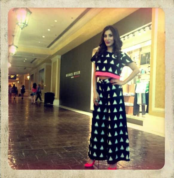 Sophie Choudry wore a Masaba Gupta dress for IIFA's press conference. She shared this picture on Twitter.
