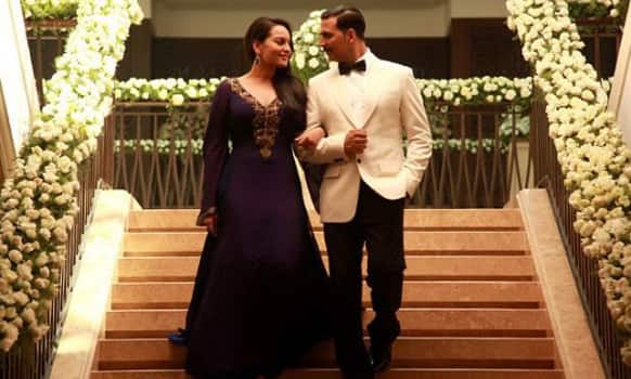 Sonakshi Sinha and Akshay Kumar in a still from 'Once Upon A Time In Mumbaai Dobara'.