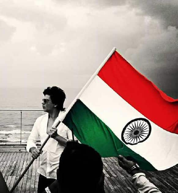"@iamsrk shared this picture on Twitter and wrote, ""Don't be satisfied with stories, how things have gone with others. Unfold your own myth(Rumi) Happy Independence Day."""