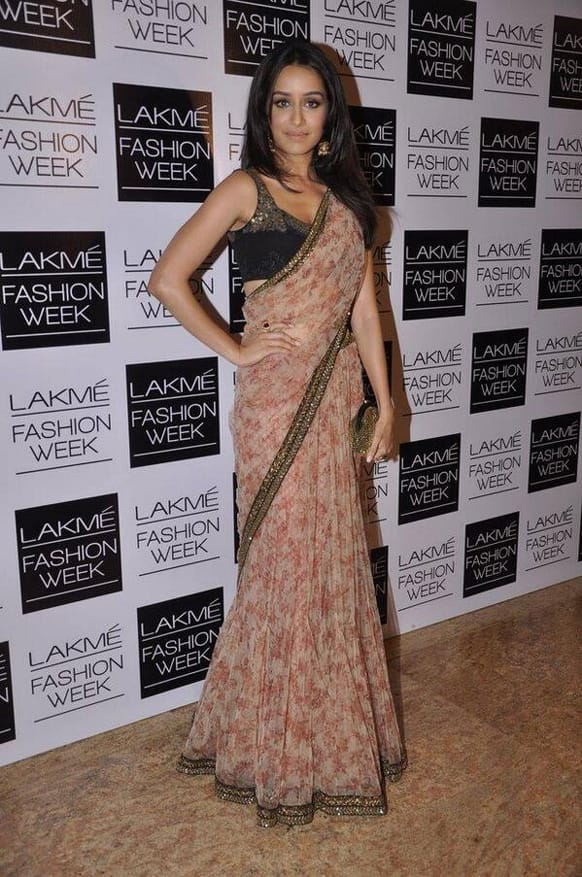 'Aashiqui 2' actress Shraddha Kapoor attended Sabyasachi's show at the LFW 2013.