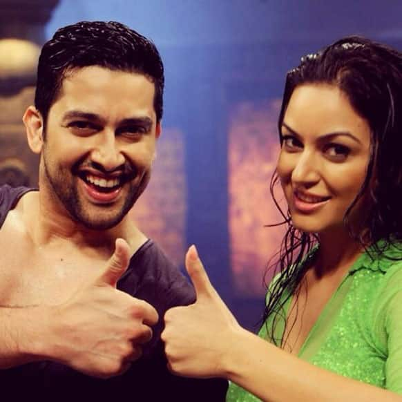 Aftab Shivdasani poses with Maryam Zakaria. Pic Courtesy: @MaryamZakaria