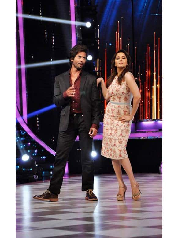 Madhuri Dixit posts a picture from the sets of 'Jhalak Dikhhla Jaa' along with actor Shahid Kapoor.