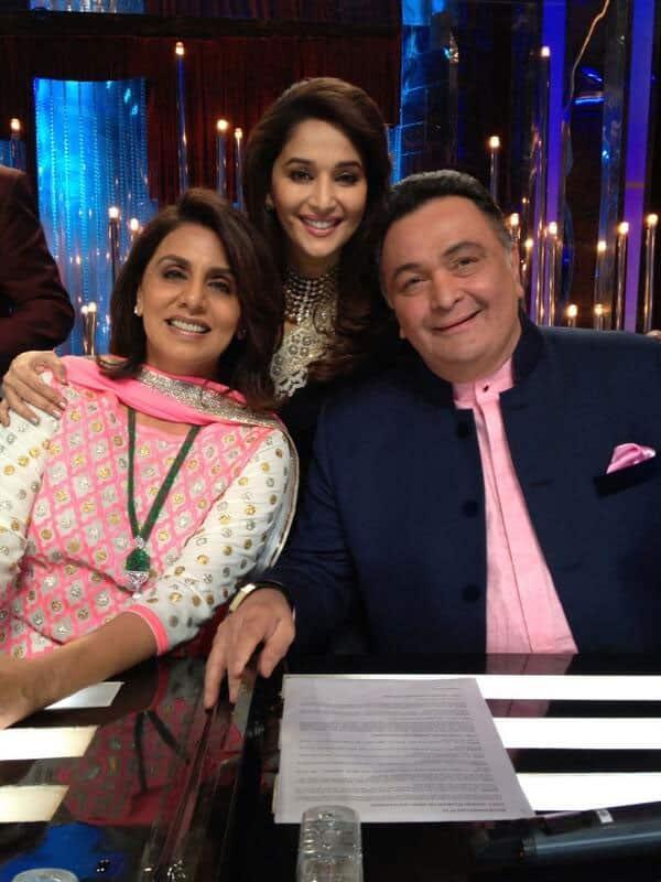 Madhuri Dixit with Rishi Kapoor and Neetu Kapoor on the sets of 'Jhalak Dikhhla Jaa'. Pic courtesy: @MadhuriDixit1