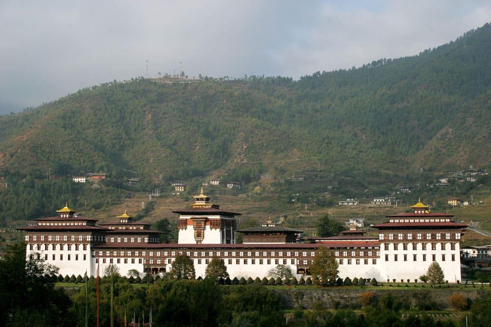 A Buddhist monastery and fortress on the western bank of the Wang Chu, the Trashi Chhoe Dzong hosts many colourful tsechu festivit- Image Courtesy Tourism Council of Bhutan