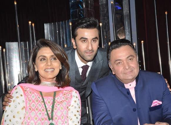 'Besharam' stars Ranbir, Neetu and Rishi Kapoor on the sets of a dance reality show.