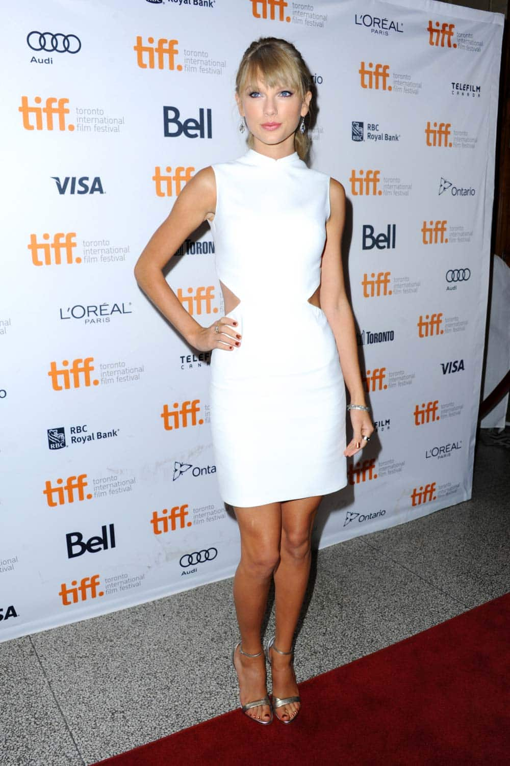 Taylor Swift arrives at the premiere of
