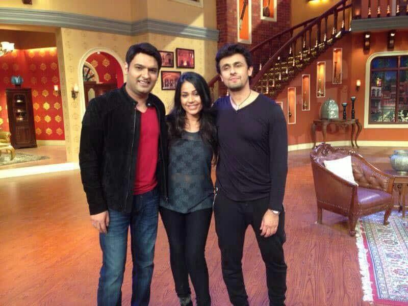 Kapil Sharma, Teesha and Sonu Nigam on the set of Comedy Nights.
