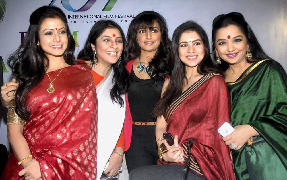 Film actresses, from left- Koel Mallick, Locket Chatterjee, Subhashree Ganguly, Payel Sarkar and June Maliah during the inauguration of 19th Kolkata International Film Festival in Kolkata.