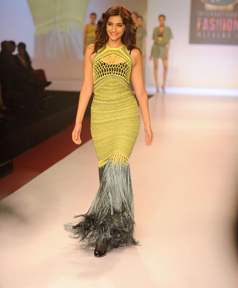 Bollywood actor Sonam Kapoor walks the ramp during the Signature International Fashion Weekend 2013 in Mumbai. Pic Courtesy: DNA