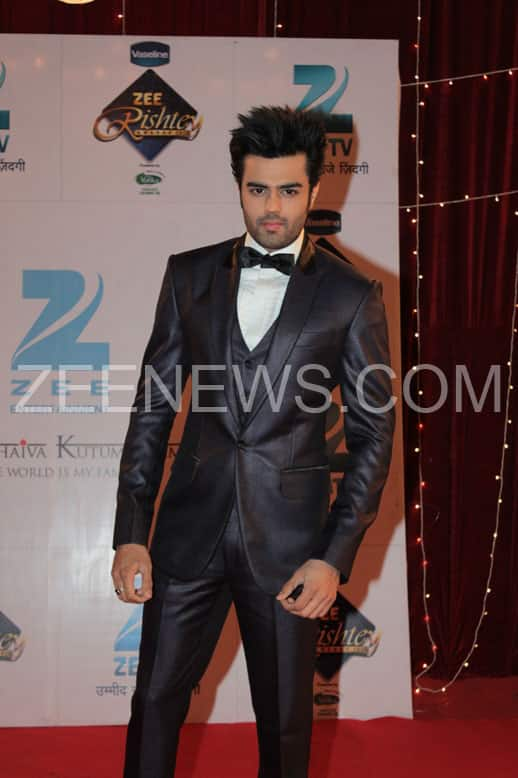 Manish Paul on the Red Carpet of Zee Rishtey Awards.
