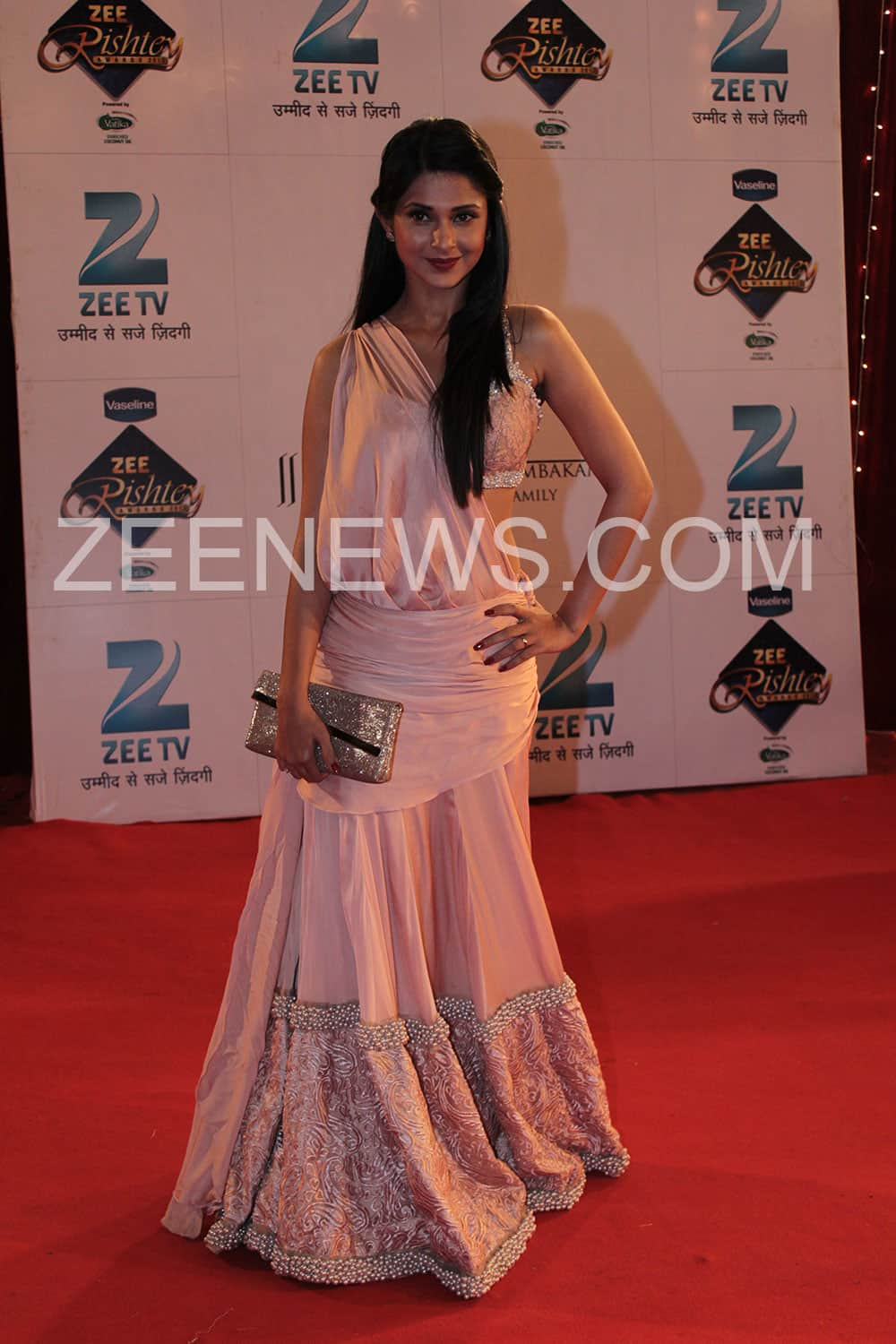 Jennifer Winget on the Red Carpet of Zee Rishtey Awards.