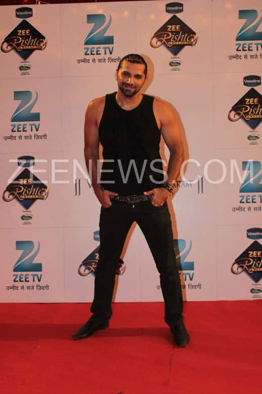 Chetan Hansraj on the Red Carpet of Zee Rishtey Awards.
