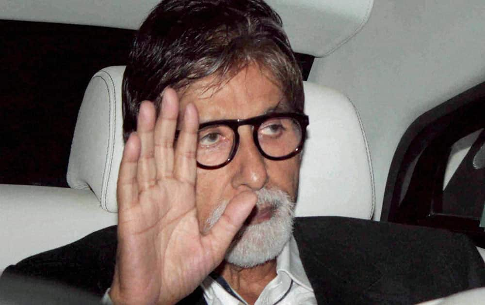 Bollywood actor Amitabh Bachchan arrives to attend a fareewell party hosted by master blaster Sachin Tendulkar and Anjali Tendulkar, in Mumbai.