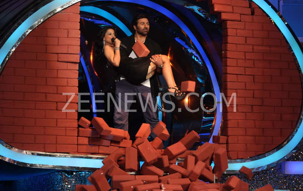 Sunny Deol on the sets of 'Dance India Dance 4'