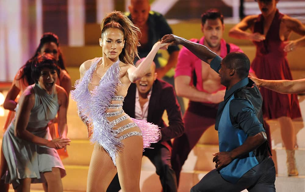 Jennifer Lopez performs at the American Music Awards at the Nokia Theatre L.A.