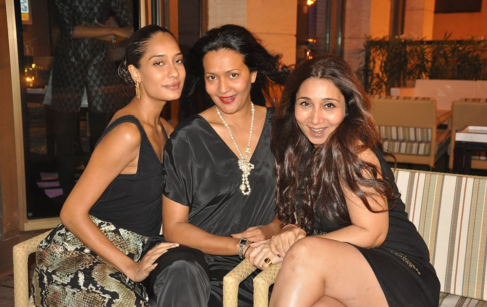 Lisa Haydon, Marie Lou Phillips and Nisha Jhangiani at a brunch in Mumbai. PIC COURTESY: DNA
