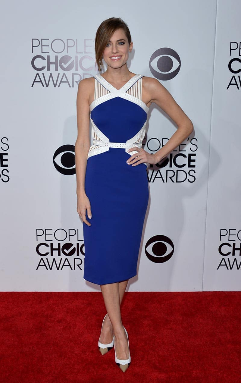 Allison Williams arrives at the 40th annual People's Choice Awards at Nokia Theatre L.A., in Los Angeles.