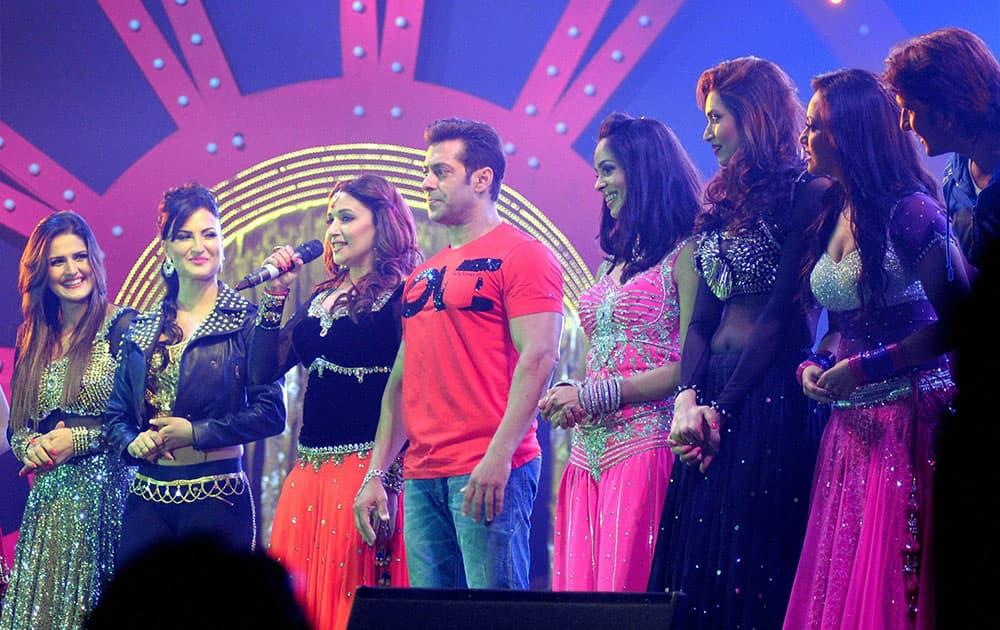 Bollywood stars Salman Khan, Madhuri Dixit, Mallika Sherawat and other at Saifai Mahotsav in Etawah district.