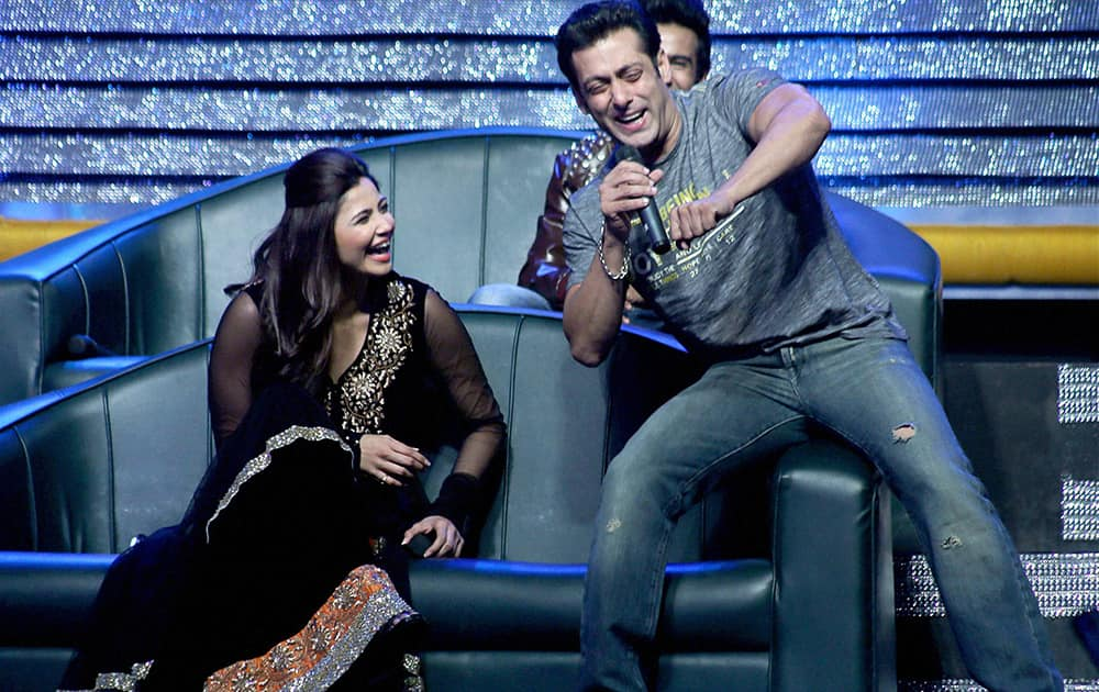 Salman Khan with co-star Daisy Shah on the sets of a TV show to promote his upcoming film 'Jai Ho' in Mumbai.