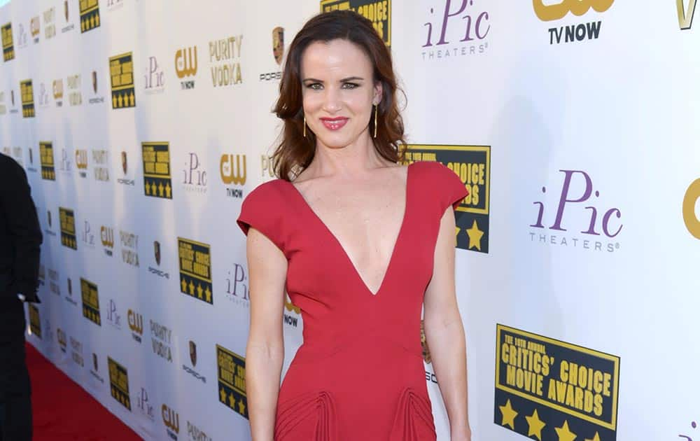 Juliette Lewis arrives at the 19th annual Critics' Choice Movie Awards at the Barker Hangar, in Santa Monica, Calif.