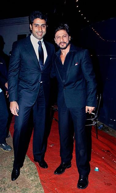 Shah Rukh Khan and Abhishek Bachchan during the annual Mumbai Police event, Umang 2014, in Mumbai.