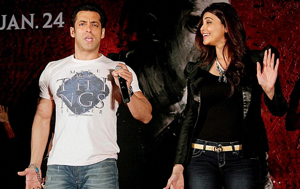 Bollywood actors Salman Khan and Daisy Shah during the promotional event for their upcoming movie Jai ho in Mumbai.