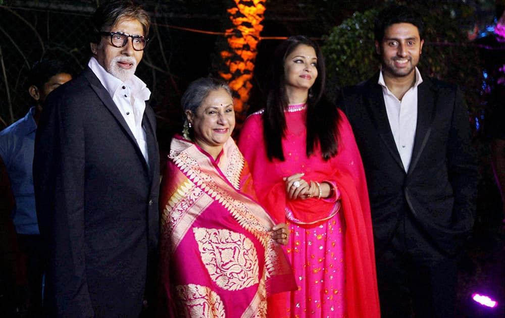 Bollywood actors Amitabh Bachchan with family Jaya Bachchan, Aishwarya Rai and Abhishek during Hema Malini and Dharmendra's younger daughter Ahana Deol and Vaibhav Vora wedding ceremony in Mumbai.