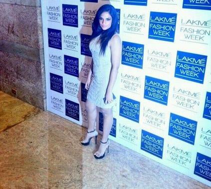 Richa Chadda arrives at lakme fashion week. Pic Courtesy: Twitter