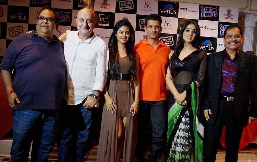 Star cast of film 'Gang of Ghosts' Satish Kaushik, Anupam Kher, Meera Chopra, Sharman Joshi, Mahi Gill and Ganesh Jain at a promotional event in New Delhi.