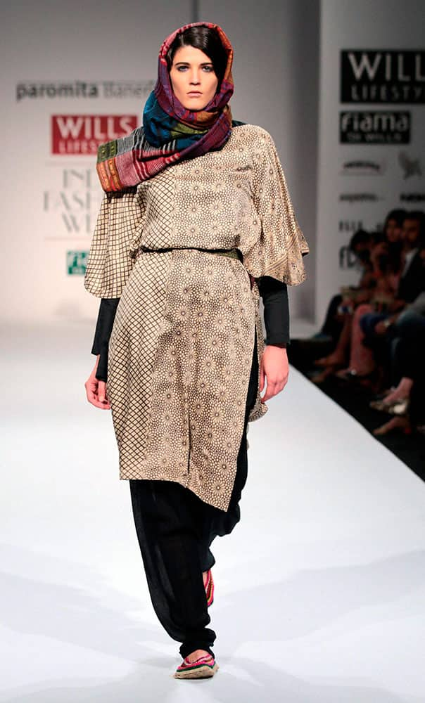 A model displays a creation by Paromita Banerjee at the 3rd day of the Wills Lifestyle Fashion Week in New Delhi.