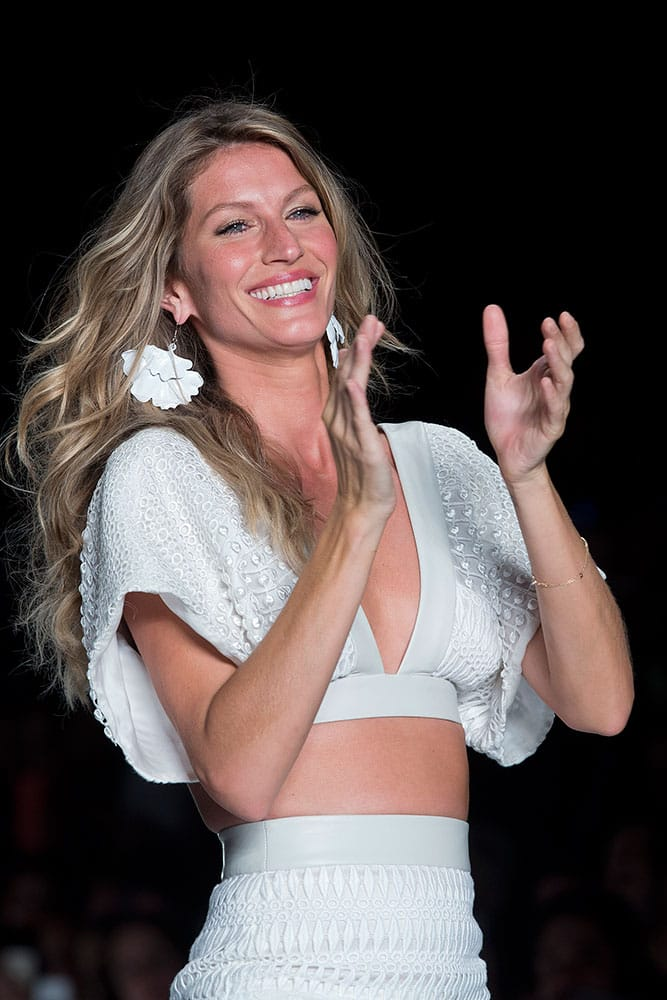 Brazil's model Gisele Bundchen wears a creation from the Colcci Summer collection during Sao Paulo Fashion Week.