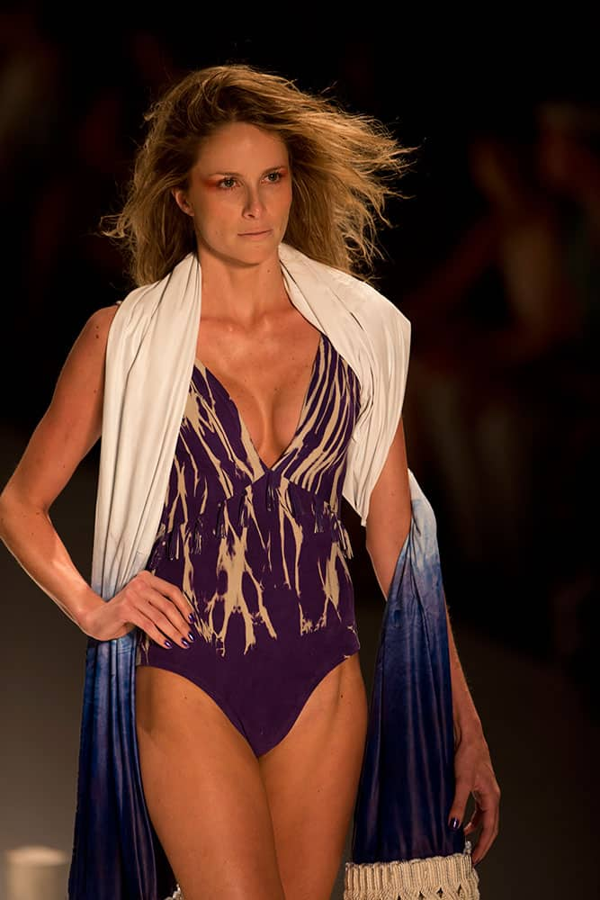 A model wears a creation from the Patricia Viera collection during the Rio Fashion Week.