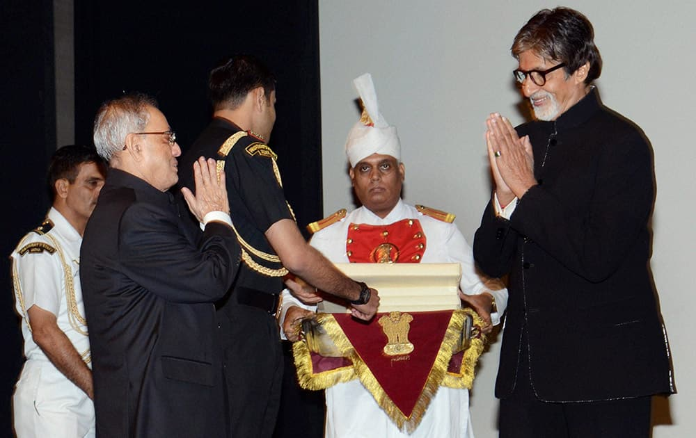 President Pranab Mukherjee with Amitabh Bachchan after the screening of the special show of Bhoothnath Returns at Rashtrapati Bhavan in New Delhi.