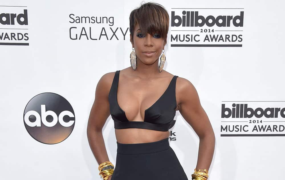 Kelly Rowland arrives at the Billboard Music Awards at the MGM Grand Garden Arena.