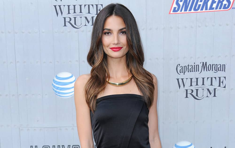Lily Aldridge arrives at the Guys Choice Awards at Sony Pictures Studios.