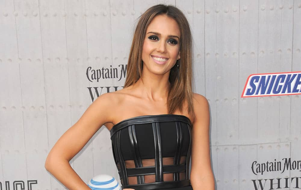 Jessica Alba arrives at the Guys Choice Awards at Sony Pictures Studios.