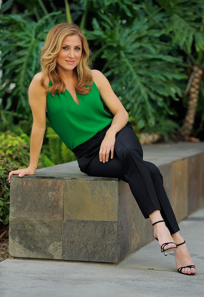 Actress Sasha Alexander poses for a portrait in Los Angeles. Season five of Alexander's crime drama 'Rizzoli and Isles' premiered, on TNT.