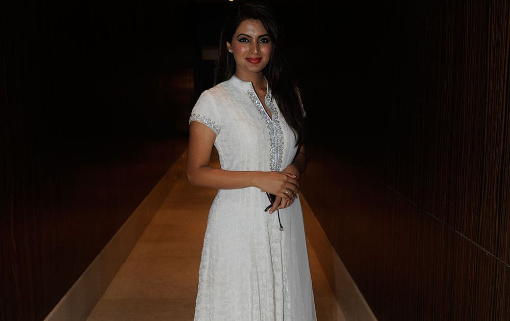 Geeta Basra at a musical evening organised in aid of YOUWECAN foundation in Mumbai. dna
