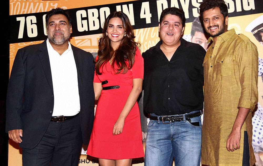 Bollywood actors Ram Kapoor, Esha Gupta, Riteish Deshmukh with director Sajid Khan (2nd left) during the success party of the film Humshakals in Mumbai.