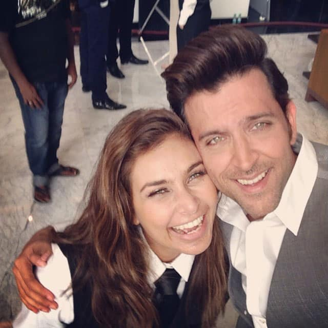 Lisa Ray - And...Smile. Life is grand. Every moment you have a choice. Try choosing gratitude. And Joy. Joy tickles. Esp. with fab @iHrithik. Pic Courtesy: instagram