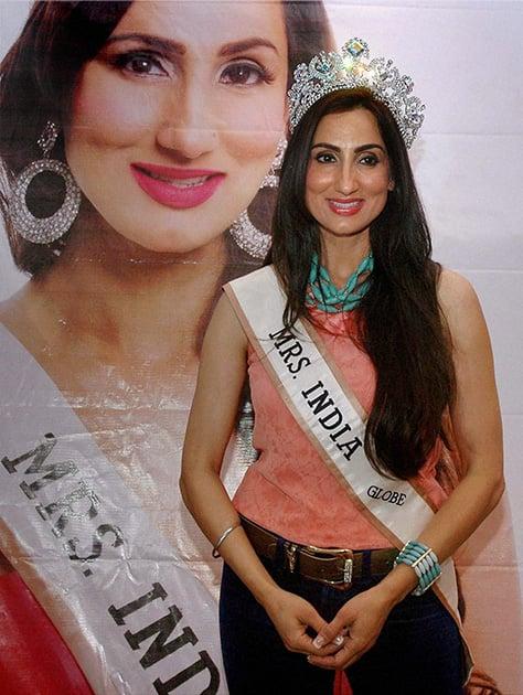 Mrs India Globe 2013, Bir Kaur Dhillon at the announcement of Mrs India Beauty Queen Contest 2014 in Mumbai.