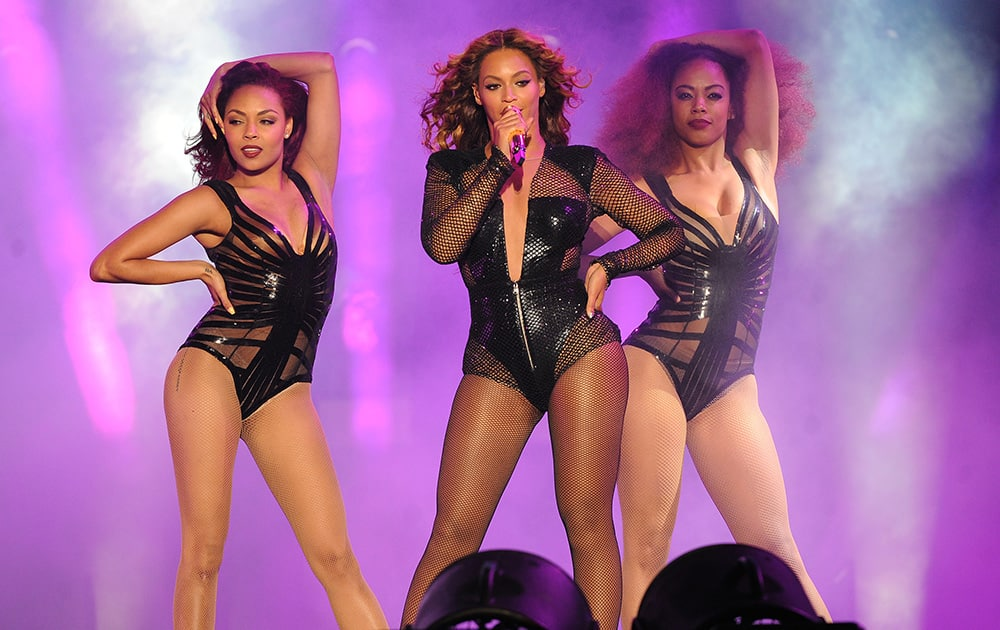 Beyonce performs during the On The Run tour at Metlife Stadium.