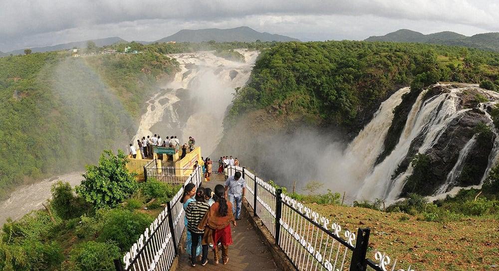 People enjoy the view of Gaganachukki and Bharachukki falls called as Shivanasamudra falls near Mysore.