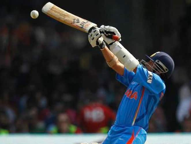 March 8, 2009: India toured New Zealand in 2009. India won the first match of the series while the second ODI was abandoned.In the third match, Tendulkar who came to open the innings, slammed another century on a wicket that looked like a batsman's paradise. Tendulkar was at his brutal best as he plundered 16 boundaries and five sixes during his 133-ball stay. A late flourish from MS Dhoni (68) and Yuvraj Singh (87) boosted India's total to 392 runs. The Kiwis tried their best to chase down the score but failed.Result: India won by 58 runs Man of the Match: Sachin Tendulkar -