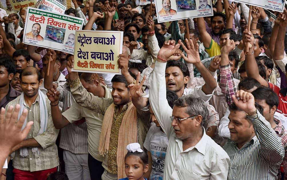 Battery operated rickshaw drivers staging a demonstration against the ban on e-rickshaws at Jantar Mantar in New Delhi.